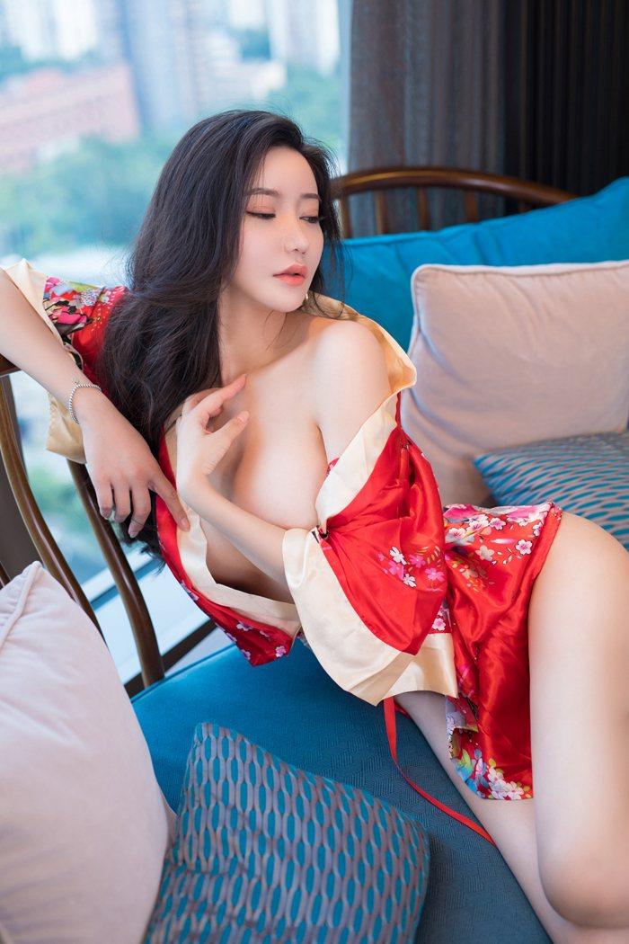 女女性行为图片徐微微性感美臀令人心潮澎湃 内衣mm-第4张