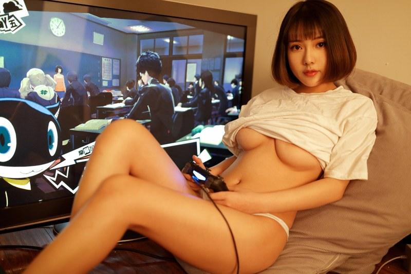 小性感少妇刘娅希淋浴室外露丰胸肥臀很诱惑 内衣mm-第4张