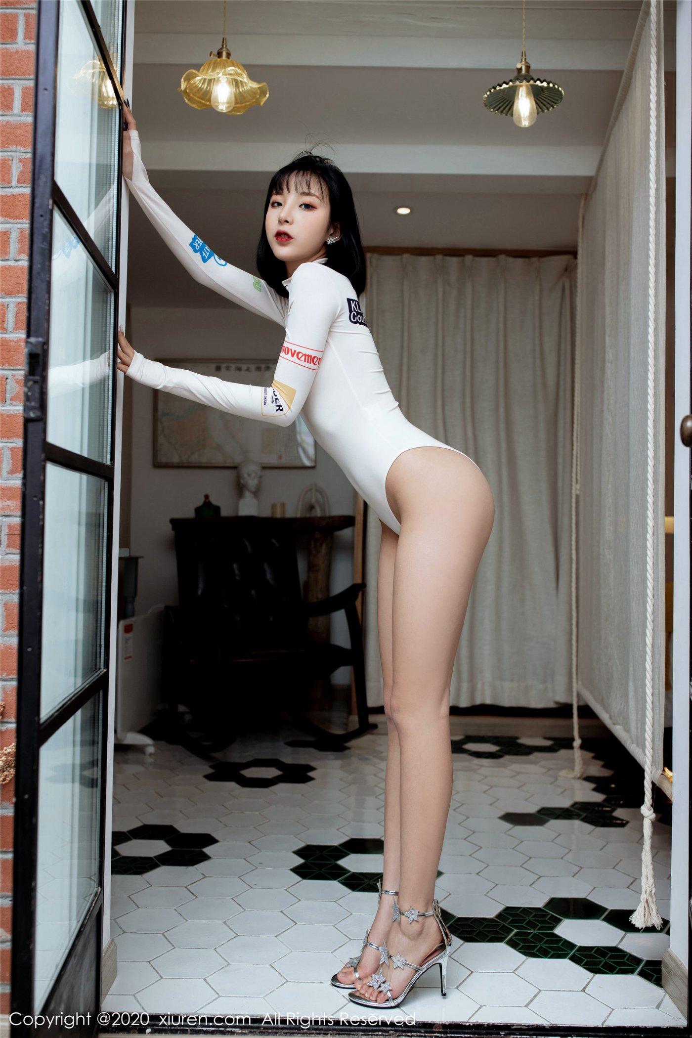 帅气飒爽的赛车与绝佳身材 陈小喵(Vol. 2049) 性感mm-第1张