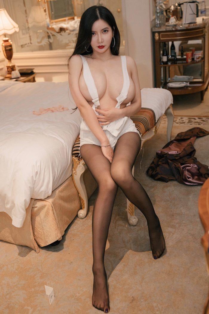 鲁鲁修高清图片裸身出境娇乳圆润魅眼美丽动人 内衣mm-第3张