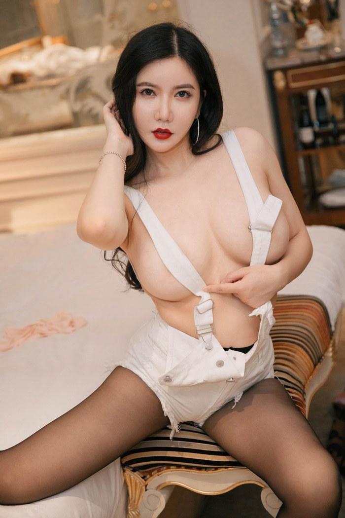 鲁鲁修高清图片裸身出境娇乳圆润魅眼美丽动人 内衣mm-第1张