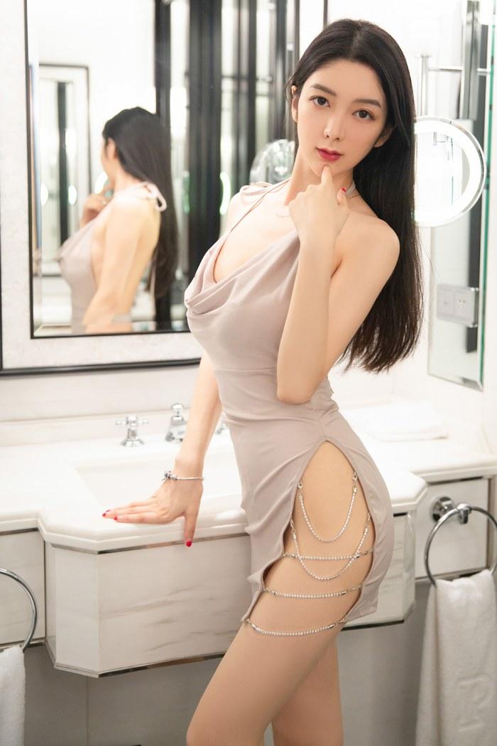 性感吊带内衣李七喜白净如豆腐引诱尝一口 内衣mm-第3张