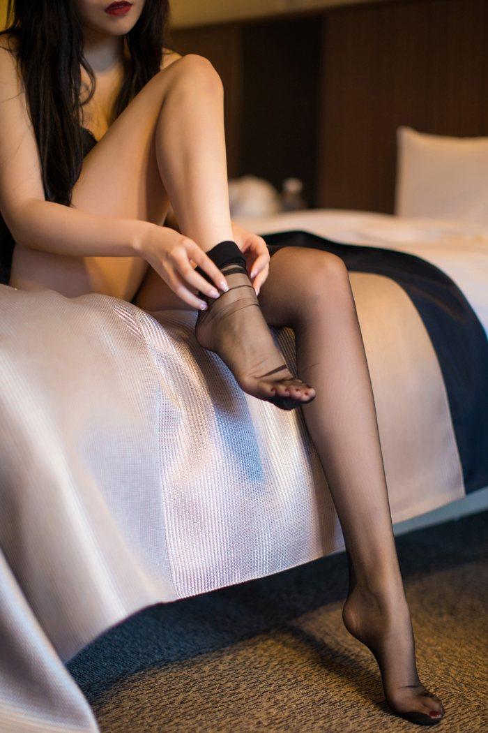 女生图片大全雪儿捆住手脚任由盘玩 内衣mm-第3张