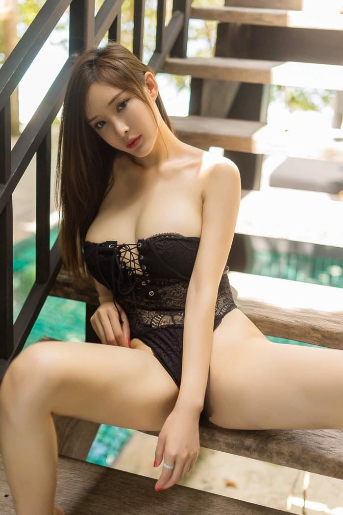 大乳女人徐微微湿身诱惑十分引人注意 内衣mm-第4张