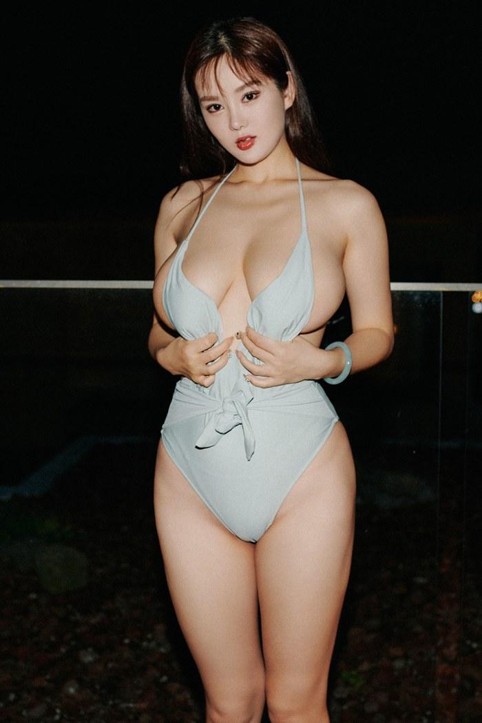 性感迷人人妇刘娅希丰胸翘臀淡墨大眼睛美丽动人 内衣mm-第3张