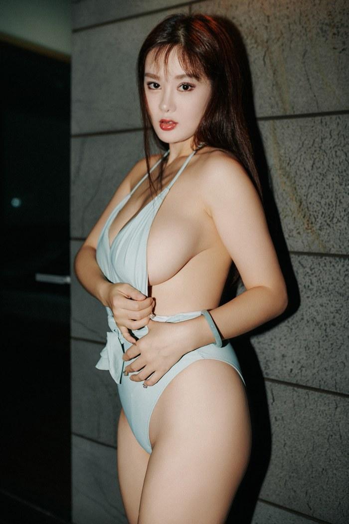 性感迷人人妇刘娅希丰胸翘臀淡墨大眼睛美丽动人 内衣mm-第2张