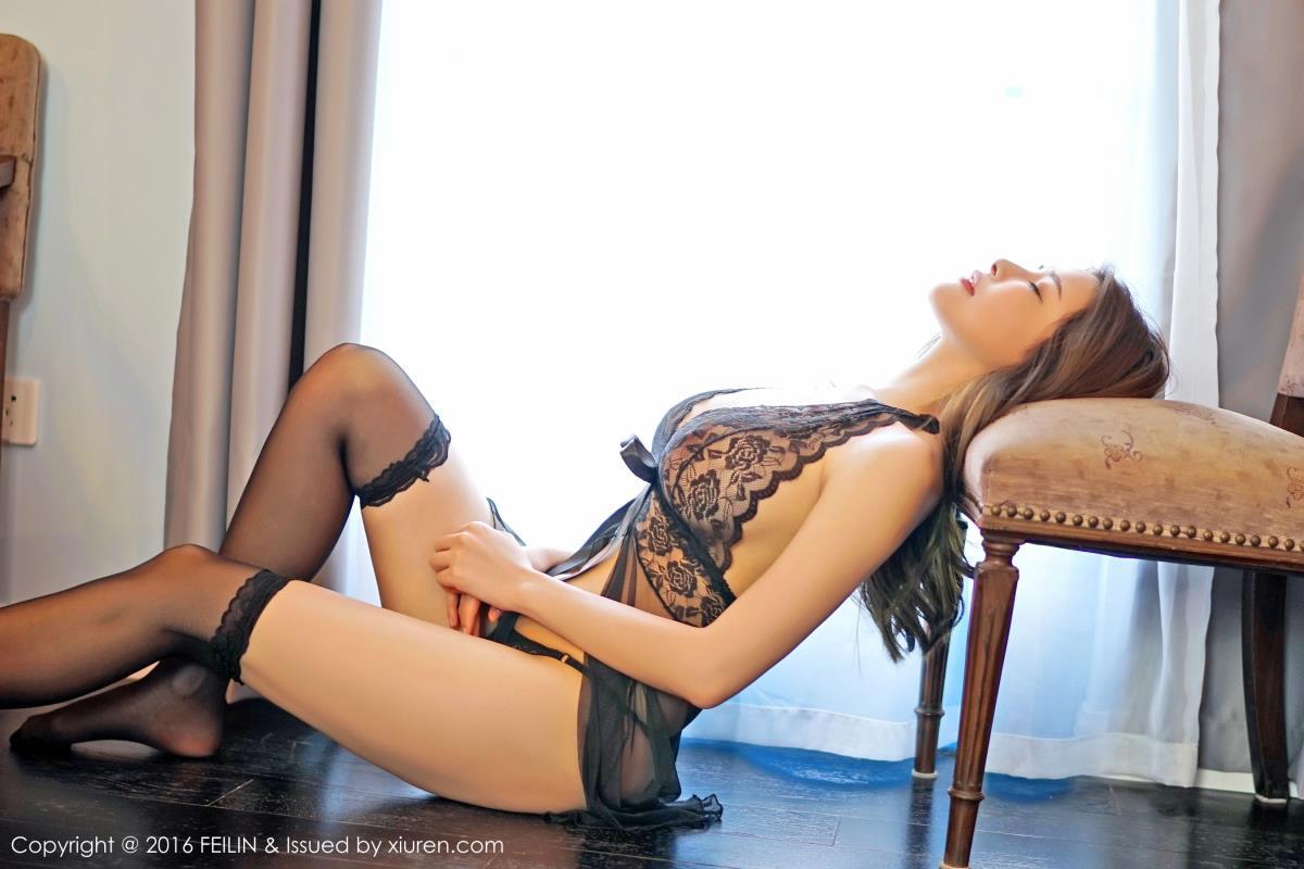 宅男女神夏小秋秋秋黑丝美腿情趣蕾丝内衣性感写真 内衣mm-第4张