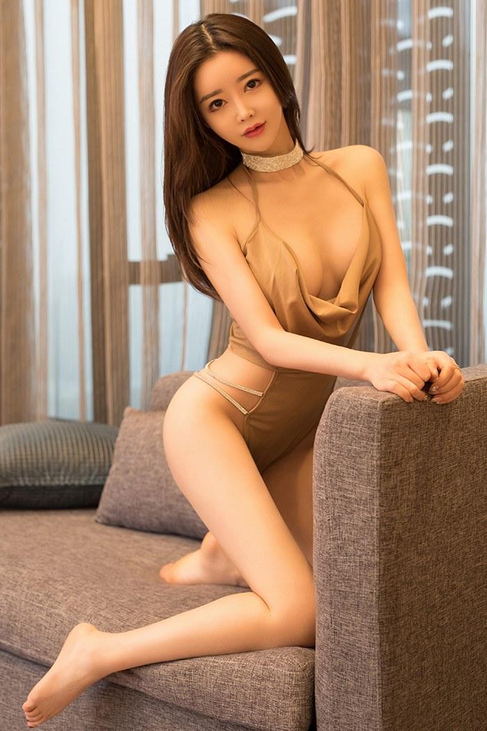 风韵高冷女神周妍希唯美体态令人迷着眼 内衣mm-第1张