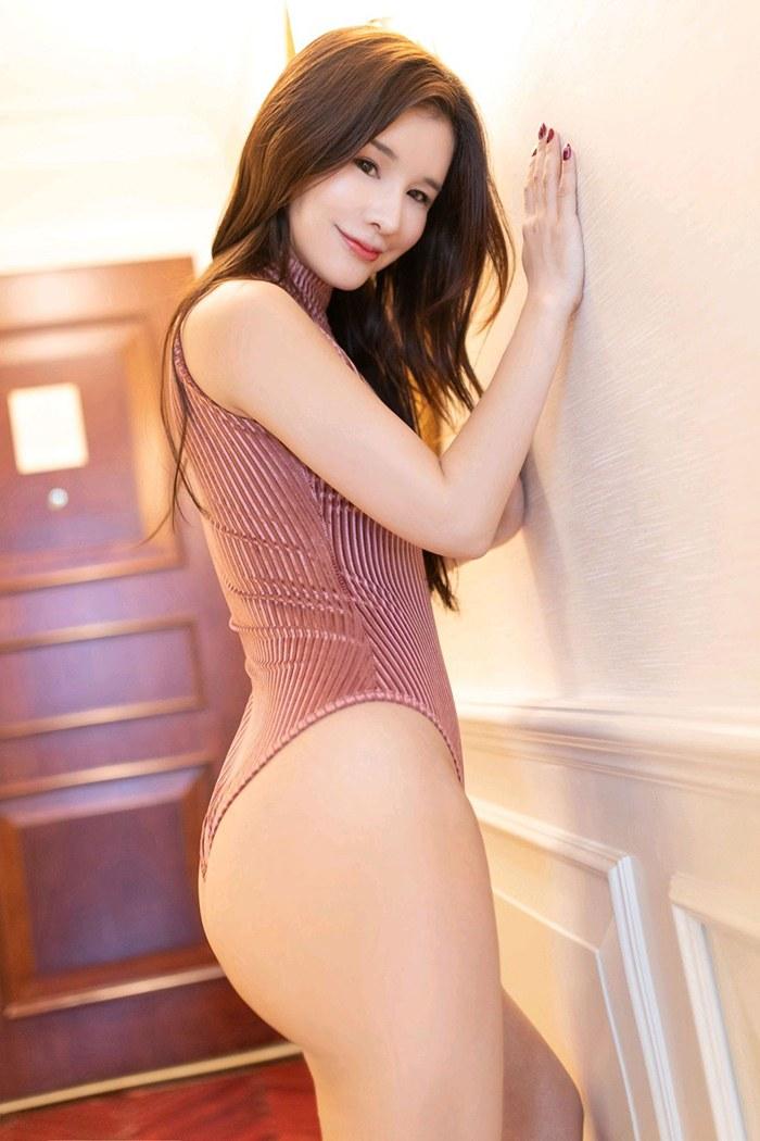萌妹子婉灵鲜嫩玉体黑丝高跟透视裙无限春光 内衣mm-第4张