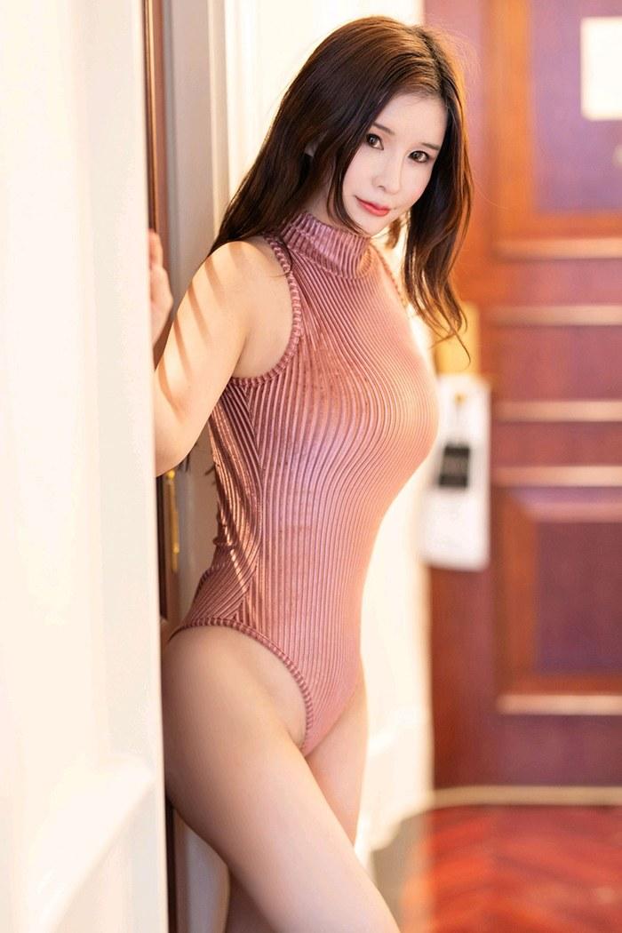 萌妹子婉灵鲜嫩玉体黑丝高跟透视裙无限春光 内衣mm-第1张