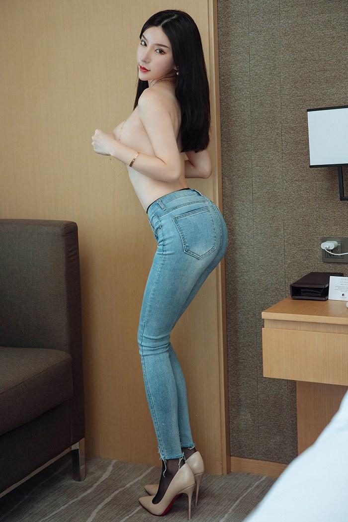 大长腿佳人杨晨晨圆滑美胸鲜嫩玉体诱惑 内衣mm-第2张