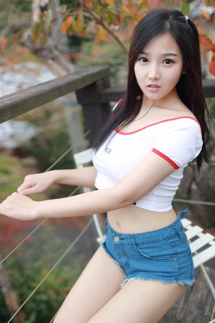 讨人喜欢萌妹子小尤奈鲜嫩爆乳令人招架不住 内衣mm-第4张