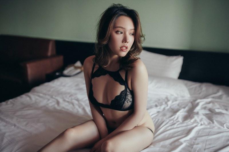 性感少妇狐小妖丰胸翘臀肌肤白净令人陶醉 内衣mm-第4张