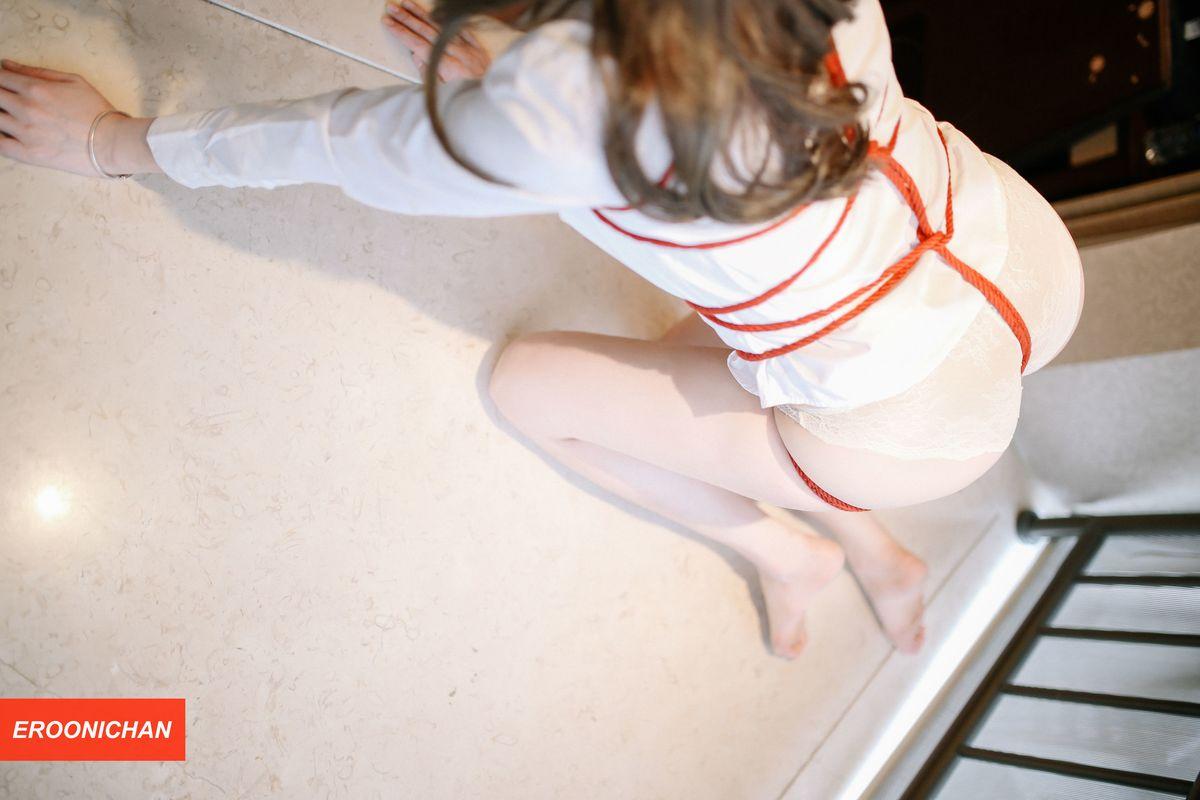 美女模特夏小秋秋秋《RED》红绳束缚主题性感写真 内衣mm-第4张