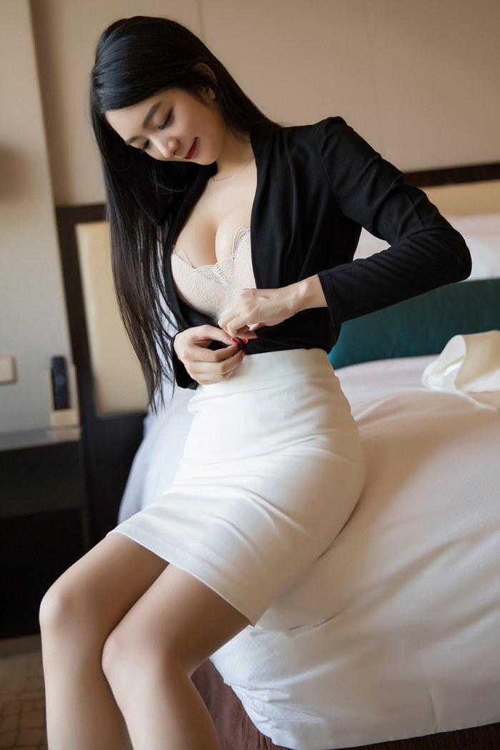 日本最大胆黄艺术写真溫泉池坦露娇躯诱惑极其 内衣mm-第2张