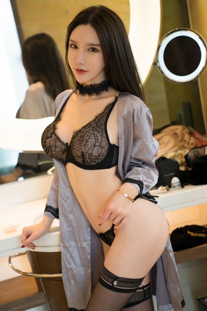 美女裸身大乳图片大全目光妩媚动人丰胸肥臀楚楚动人 内衣mm-第1张